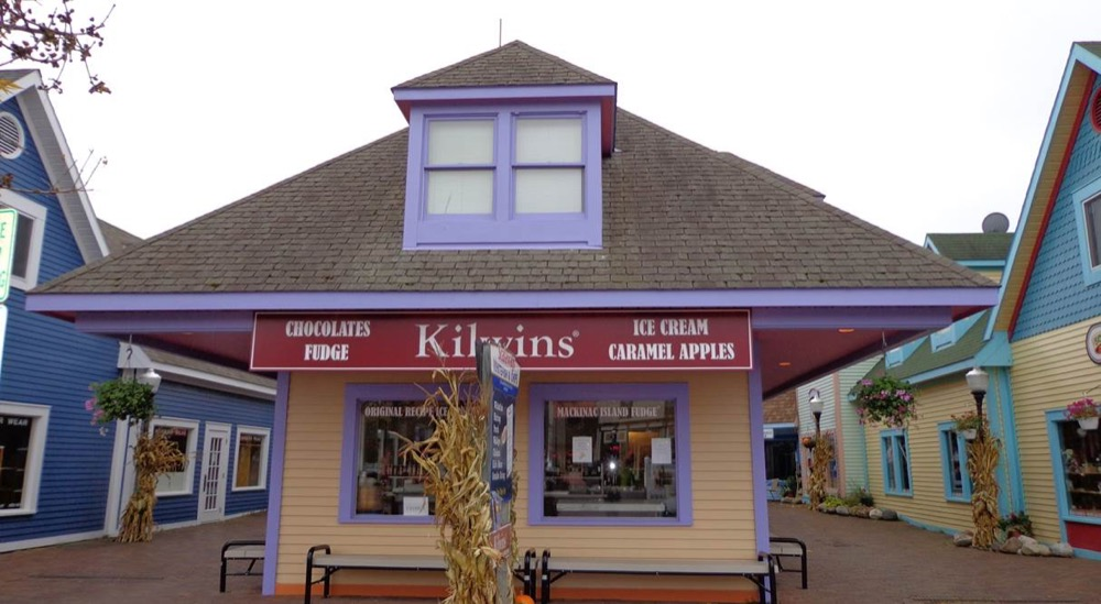 Exterior picture of the store front in Mackinaw City
