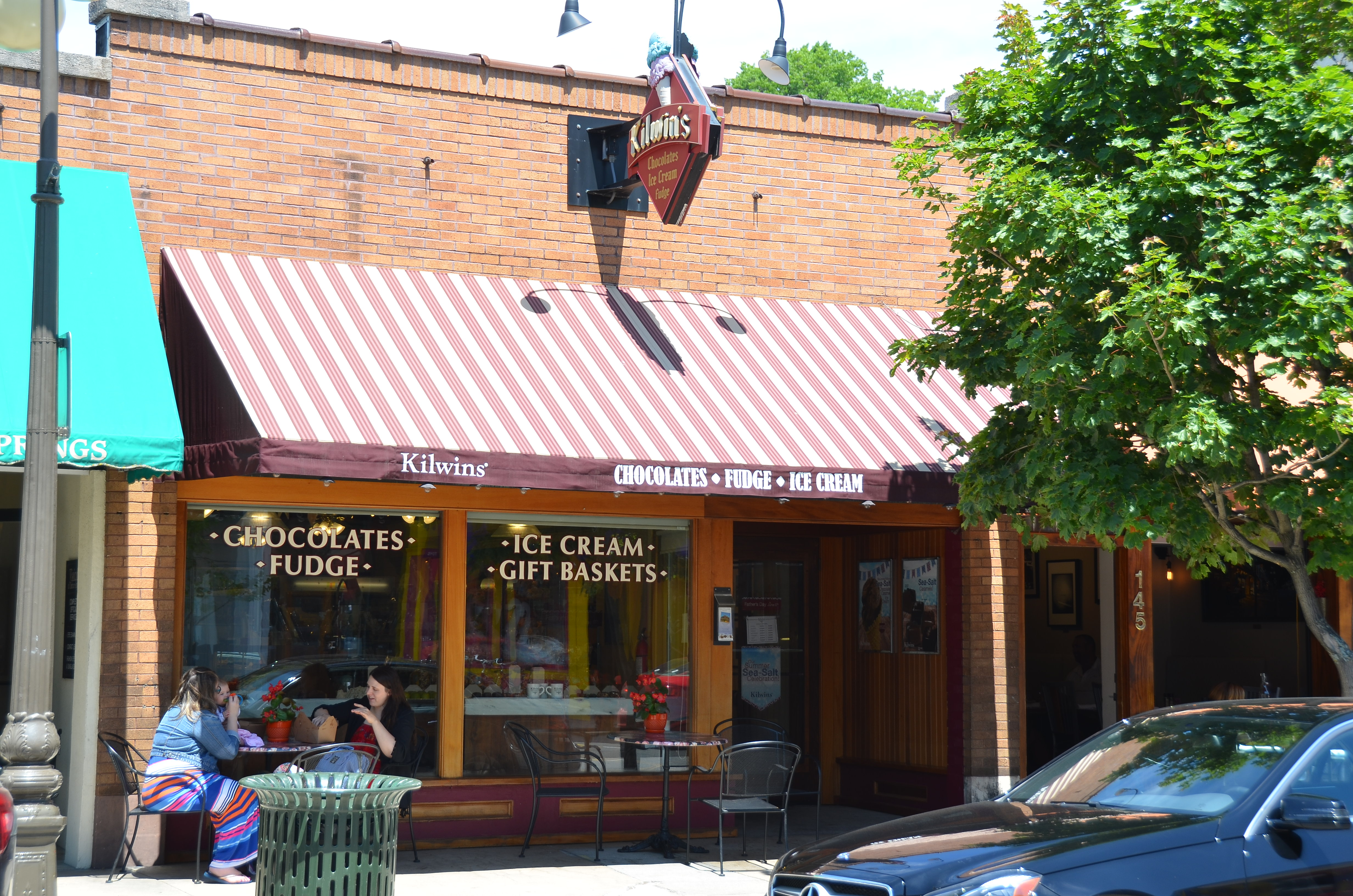 Exterior photo of The Kilwins Harbor Springs store front