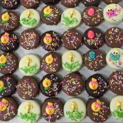 Picture of Easter themed chocolate dipped Oreo cookies