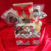 Photo of Kilwins Holiday Gift Basket